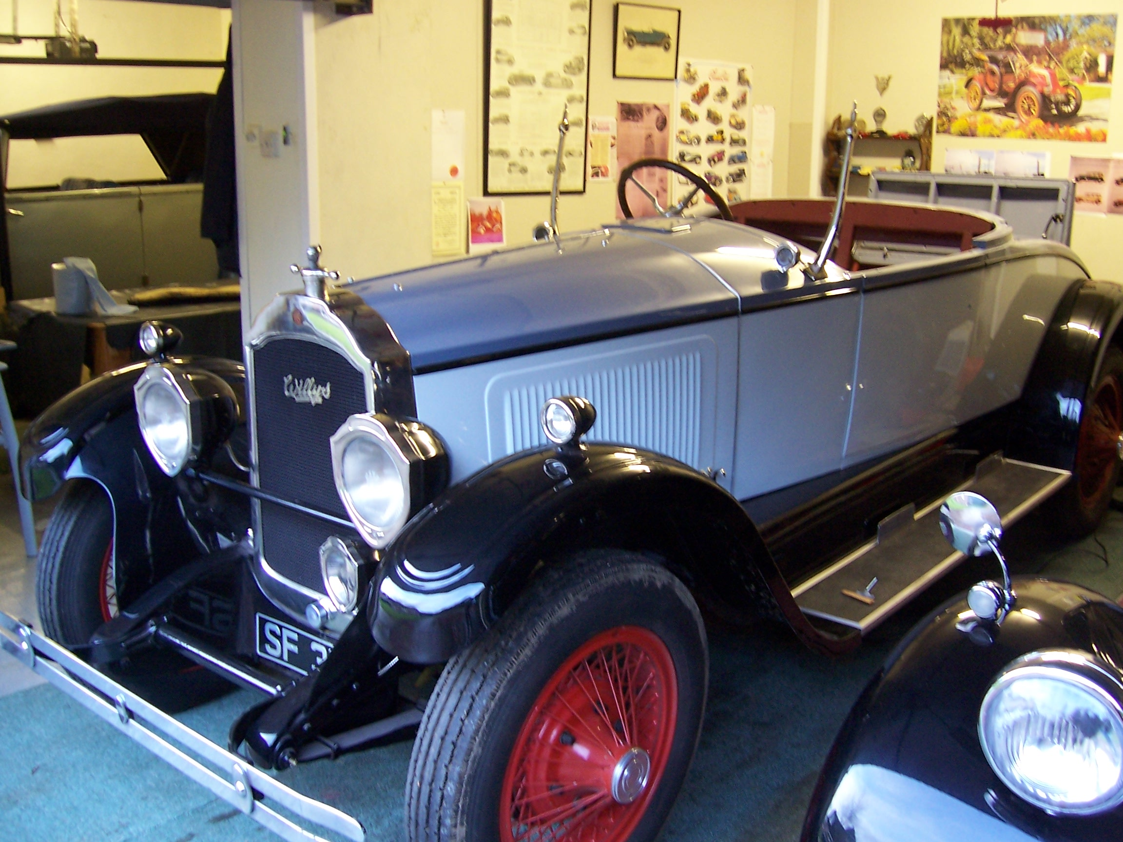 1925 Willys-Knight Roadster
